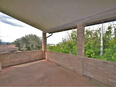 Image 7 | 3 bedroom farmhouse for sale with 0.4 hectares of land, Castiglione del Lago, Perugia, Umbria 216178