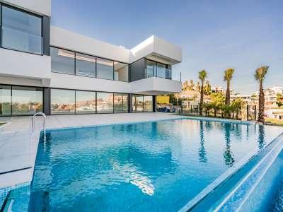4 bedroom villa for sale, Capanes Del Golf, Benahavis, Malaga Costa del Sol, Andalucia