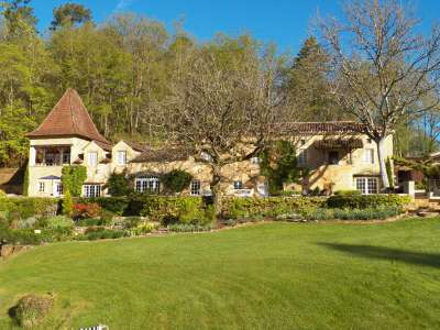 10 bedroom manor house for sale, Puy l