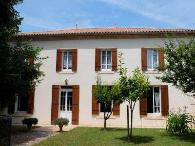 6 bedroom house for sale, Villeneuve sur Lot, Lot-et-Garonne, Aquitaine