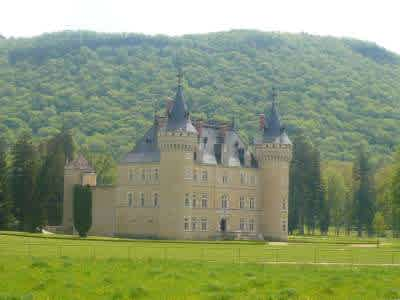 Spectacular French chateau estate in the Jura