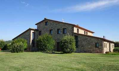 14 bedroom farmhouse for sale, Volterra, Pisa, Tuscany