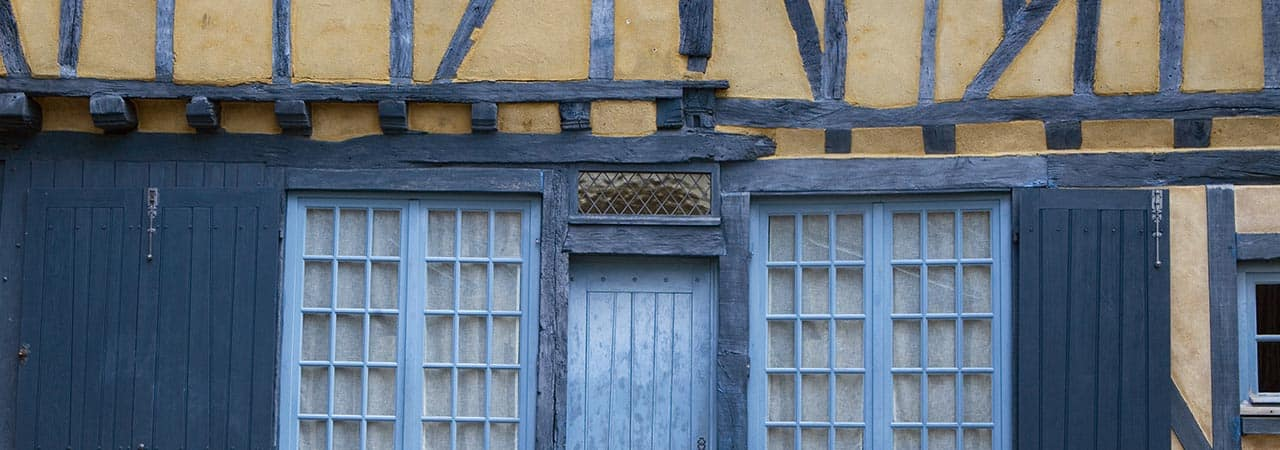 Sarthe Property