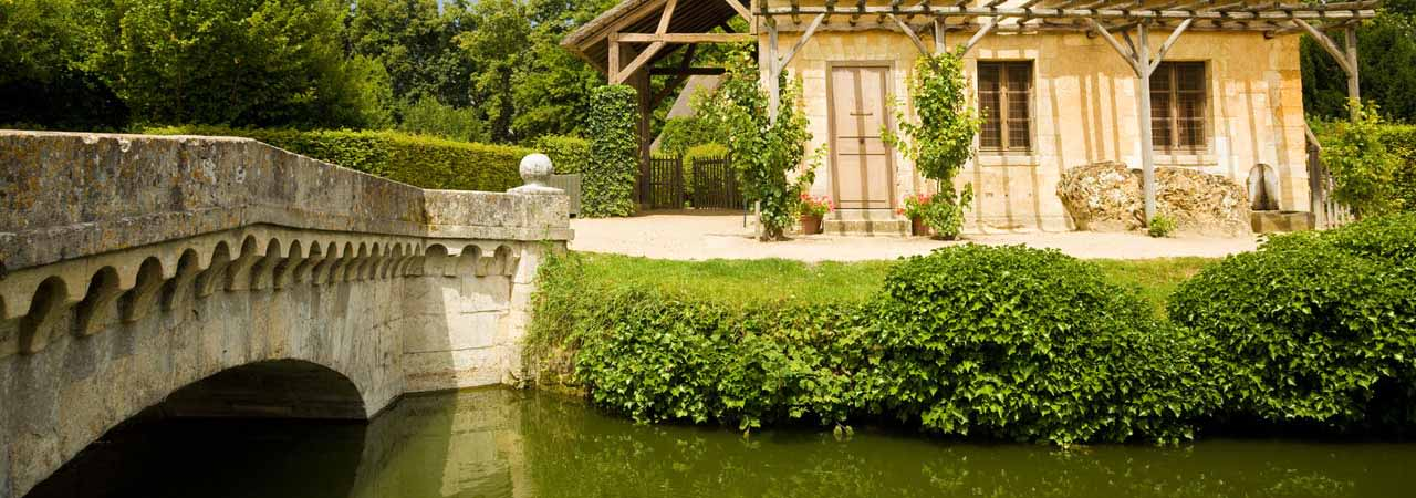 French Properties with Lakes and Ponds