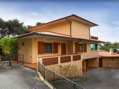 5 bedroom villa for sale, Castiglioncell...