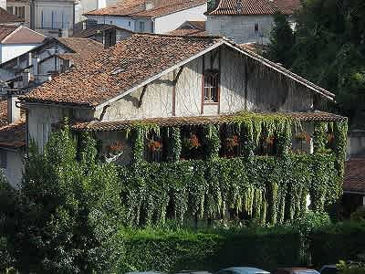 6 bedroom house for sale, Aubeterre Sur Dronne, Charente, Poitou-Charentes