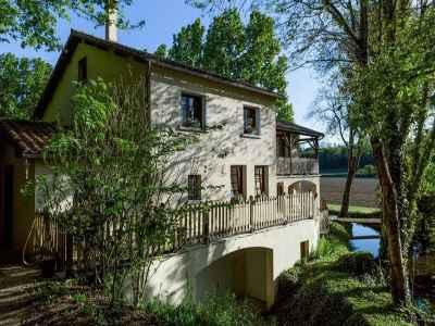 4 bedroom house for sale, Ruffec, Charente, Poitou-Charentes