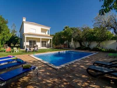 4 bedroom villa for sale, Almancil, Cent...