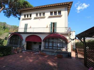 6 bedroom villa for sale, Montecatini Te...