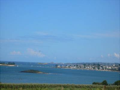 Image 1 | 2 bedroom house for sale with 4.5 hectares of land, Bay of Carantec, Finistere , Brittany 114154
