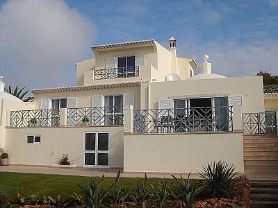 Image 1   4 bedroom villa for sale with 700m2 of land, Goldra, Central Algarve, Algarve 128823
