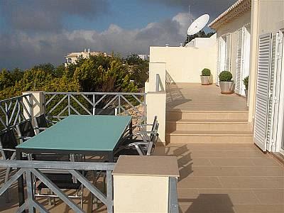 Image 2   4 bedroom villa for sale with 700m2 of land, Goldra, Central Algarve, Algarve 128823