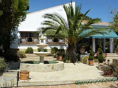 Image 1   5 bedroom villa for sale with 800m2 of land, Competa, Malaga Costa del Sol, Andalucia 129659