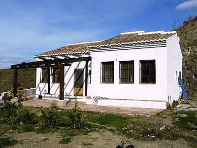 Image 1 | 4 bedroom farmhouse for sale with 3 hectares of land, Canillas de Aceituno, Malaga Costa del Sol, Andalucia 129709