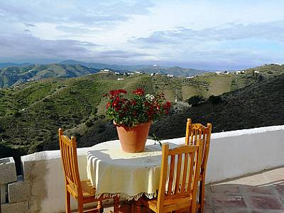 Image 3 | 4 bedroom farmhouse for sale with 3 hectares of land, Canillas de Aceituno, Malaga Costa del Sol, Andalucia 129709