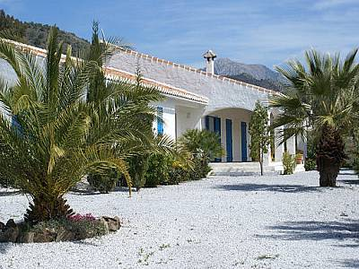 Image 1 | 3 bedroom farmhouse for sale with 0.81 hectares of land, Competa, Malaga Costa del Sol, Andalucia 129847