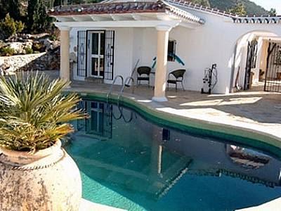 Image 1 | 3 bedroom villa for sale with 1,300m2 of land, Competa, Malaga Costa del Sol, Andalucia 129867