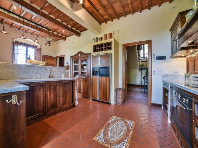 Image 27 | 6 bedroom villa for sale with 1.4 hectares of land, Montecarlo, Lucca, Tuscany 188274