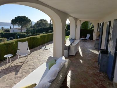 Image 2   3 bedroom house for sale with 0.5 hectares of land, Grimaud, French Riviera 196310