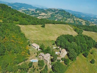 Image 8 | 7 bedroom farmhouse for sale with 1 hectares of land, Radicondoli, Siena, Tuscany 196890