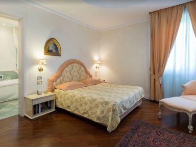 Image 23 | 7 bedroom villa for sale with 0.4 hectares of land, Lake Garda, Brescia, Lake Garda 198135