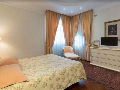 Image 24 | 7 bedroom villa for sale with 0.4 hectares of land, Lake Garda, Brescia, Lake Garda 198135