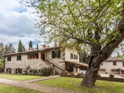 Image 1   Fabulous Tuscan estate for sale with three buildings, 13 bedrooms in total 198742