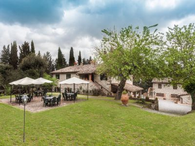 Image 2   Fabulous Tuscan estate for sale with three buildings, 13 bedrooms in total 198742