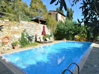Image 5   Two lovely country properties with income for sale in Tuscany 198748