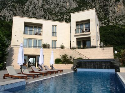 Image 2 | 4 bedroom villa for sale with 860m2 of land, Blizikuce, Budva, Coastal Montenegro 199760