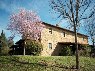 Image 1 | 2 bedroom house for sale with 150m2 of land, Castelfalfi, Florence, Chianti 200969