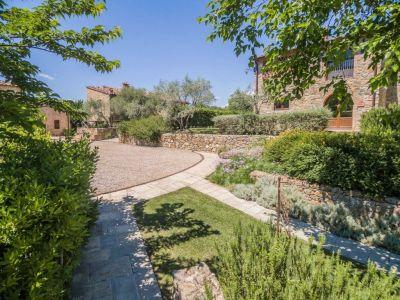 Image 11 | Prestigious Estate with a total of 80 bedrooms for sale, located in Bucine, Arezzo 200986