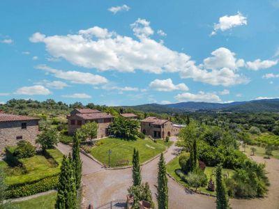Image 3 | Prestigious Estate with a total of 80 bedrooms for sale, located in Bucine, Arezzo 200986