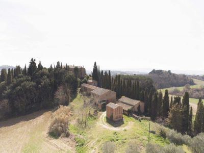 Image 5 | 20 bedroom manor house for sale with 1 hectares of land, Montalcino, Siena, Tuscany 200988