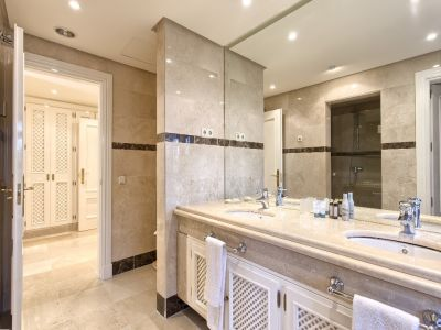 Image 16   3 bedroom apartment for sale, Puerto Banus, Malaga Costa del Sol, Andalucia 202143