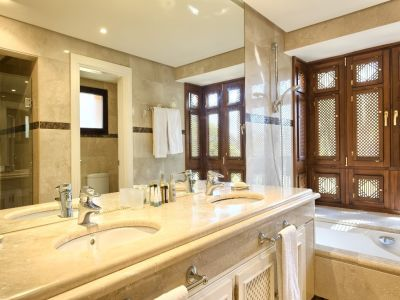 Image 17   3 bedroom apartment for sale, Puerto Banus, Malaga Costa del Sol, Andalucia 202143