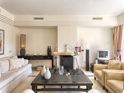 Image 8 | 3 bedroom apartment for sale, Puerto Banus, Malaga Costa del Sol, Andalucia 202143