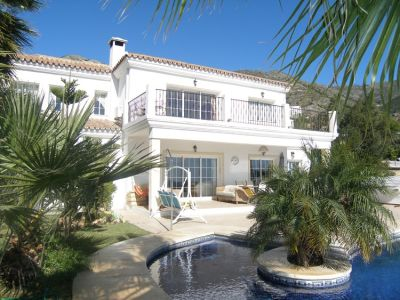 Image 1   6 bedroom villa for sale with 0.25 hectares of land, Mijas, Malaga Costa del Sol, Andalucia 202180