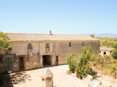 Image 2   Manor House for sale with 50 hectares of land, Lloret, Pina, Central Mallorca, Mallorca 203053