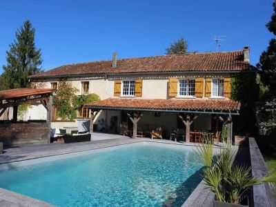 Image 1 | 20 bedroom house for sale with 0.83 hectares of land, Aubeterre sur Dronne, Charente , Poitou-Charentes 203738