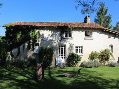 Image 2 | 20 bedroom house for sale with 0.83 hectares of land, Aubeterre sur Dronne, Charente , Poitou-Charentes 203738