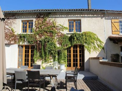 Image 3 | 20 bedroom house for sale with 0.83 hectares of land, Aubeterre sur Dronne, Charente , Poitou-Charentes 203738