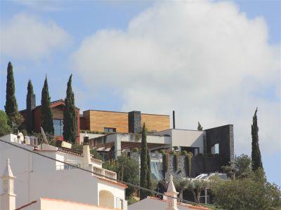 Image 2 | 4 bedroom villa for sale with 1,000m2 of land, Albufeira, Central Algarve, Algarve 204021