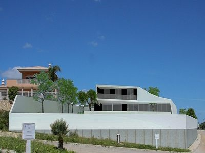 Image 4 | 4 bedroom villa for sale with 1,450m2 of land, Porto de Mos, Western Algarve, Algarve 204144