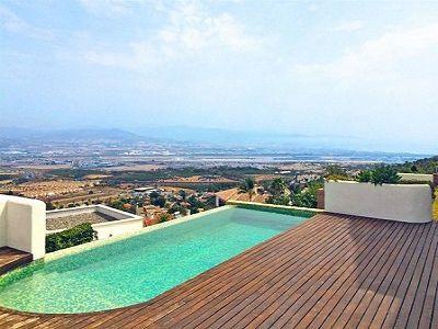 Image 2 | 4 bedroom villa for sale with 992m2 of land, Alhaurin de la Torre, Malaga Costa del Sol, Andalucia 204188