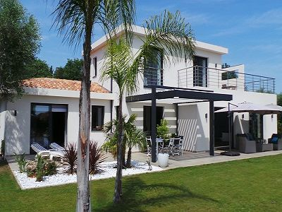 Image 1 | 3 bedroom villa for sale with 0.29 hectares of land, Opio, Grasse, French Riviera 204553