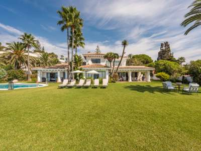 Image 1 | 7 bedroom villa for sale with 0.26 hectares of land, Estepona, Malaga Costa del Sol, Andalucia 205646