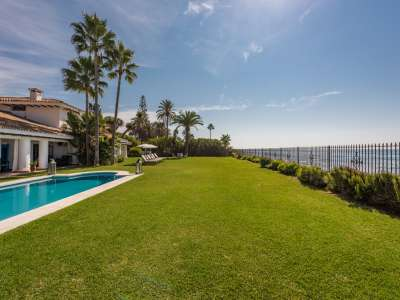 Image 2 | 7 bedroom villa for sale with 0.26 hectares of land, Estepona, Malaga Costa del Sol, Andalucia 205646