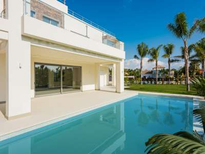 Image 1 | 5 bedroom villa for sale with 1,539m2 of land, Casasola, Estepona, Malaga Costa del Sol, Andalucia 205897