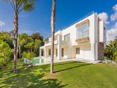 Image 2 | 5 bedroom villa for sale with 1,539m2 of land, Casasola, Estepona, Malaga Costa del Sol, Andalucia 205897